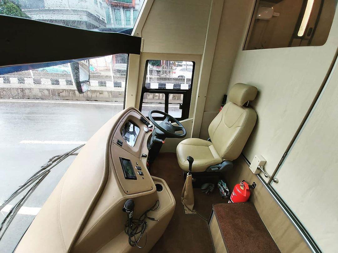 Bus Mewah Big Bird Alpha Premium