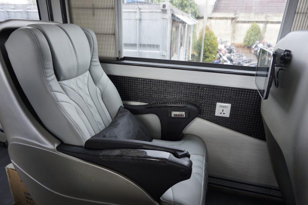 bus-mewah-trac-seat2