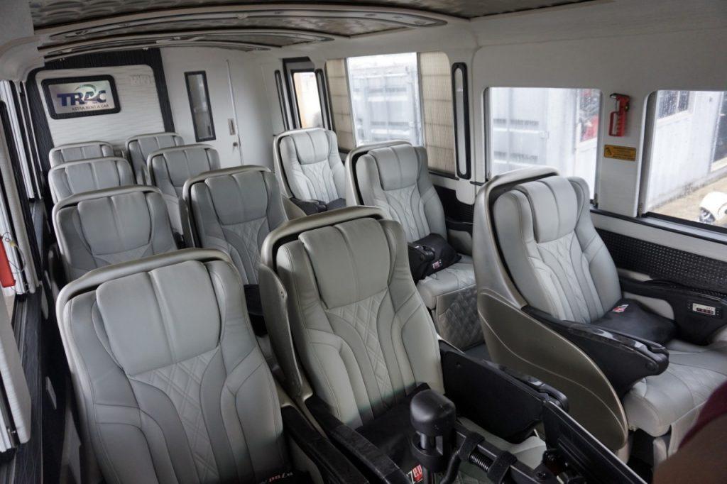 Bus Mewah TRAC